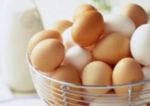 Яйца куриные домашнии